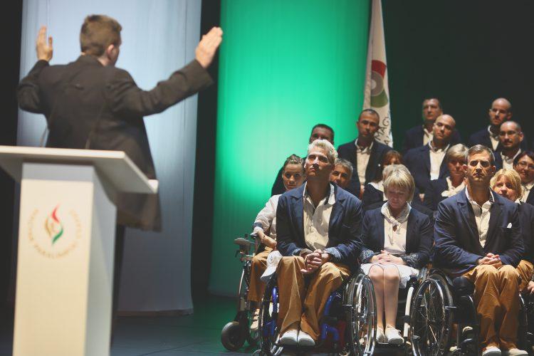 Józsefvárosilelkész áldotta meg a Rióba induló magyar paralimpiai csapatot